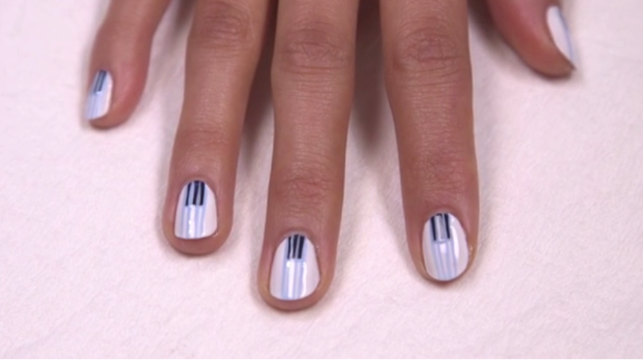 You'll love painting on this simple, yet striking pattern, reminiscent of piano keys.