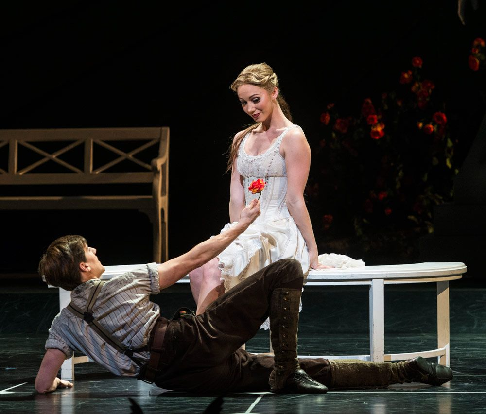 Ashley Shaw and Dominic North in Sleeping Beauty. © Foteini Christofilopoulou.