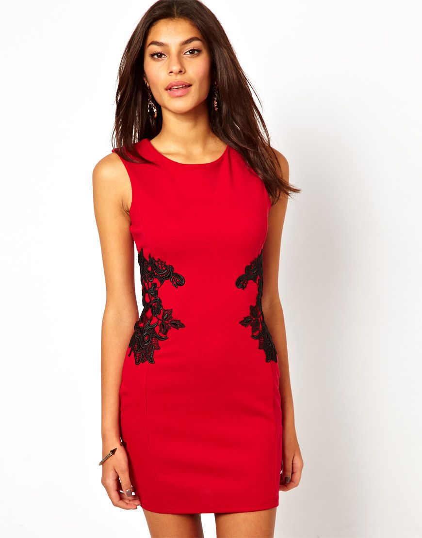 Lipsy - Figurbetontes Kleid mit Spitzenapplikation - Cremeweiß