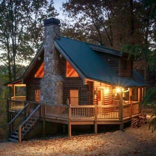 Well this looks pretty perfect camping ideas for Wood cabin homes
