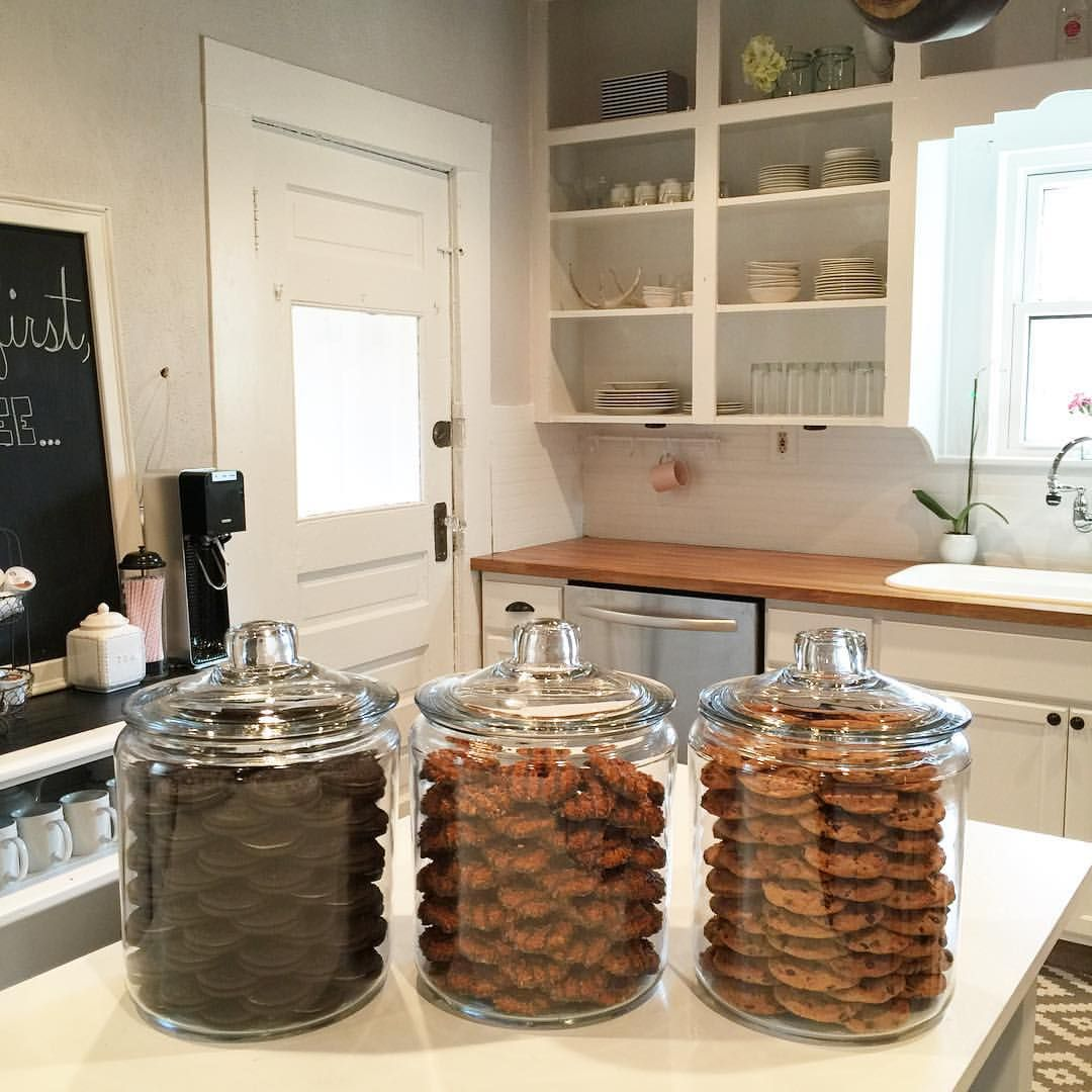 Khloe kardashian 39 s organized cookie jars totally inspired for Kitchen jar ideas