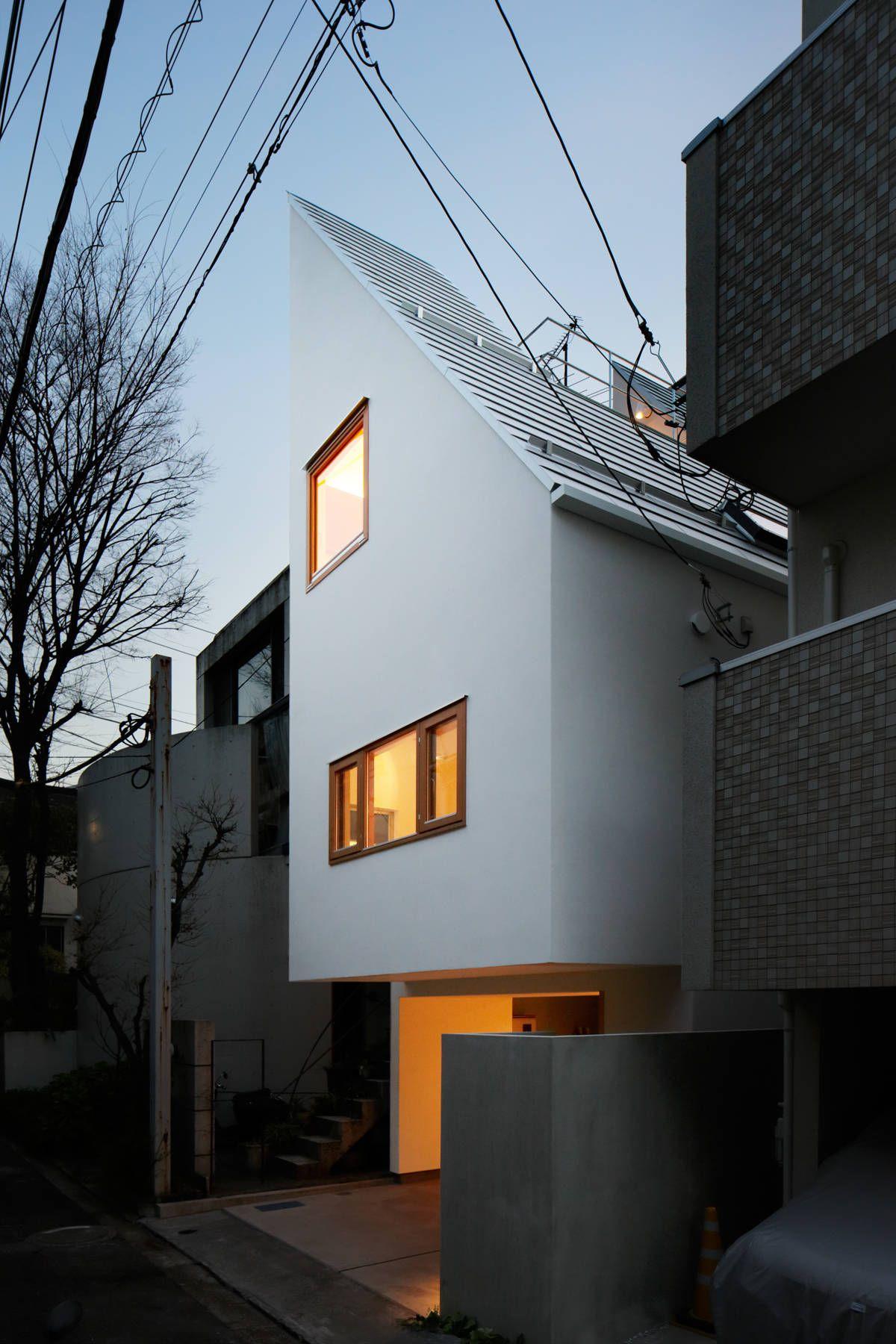 Facade House, Minimalist Architecture
