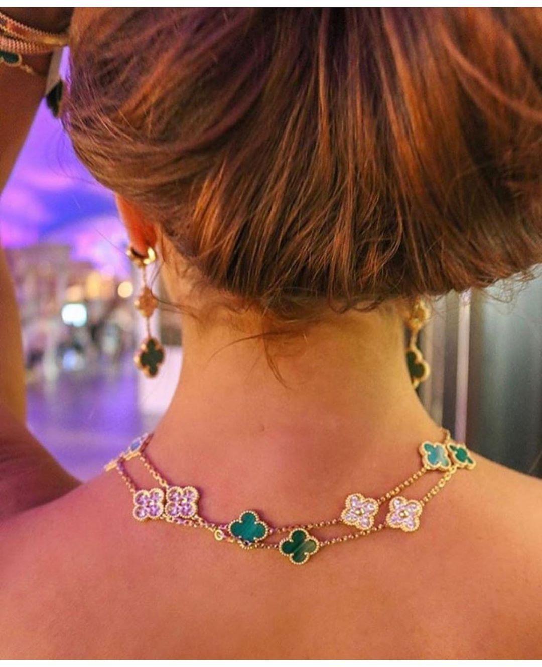 هلا باللي عجزت ألقى عذاريبه Jewelry Jewelrydesigner Brand Diamonds Diamondring Fancydiamond Styleblogger Diamondnecklace Cartier Harry Winston