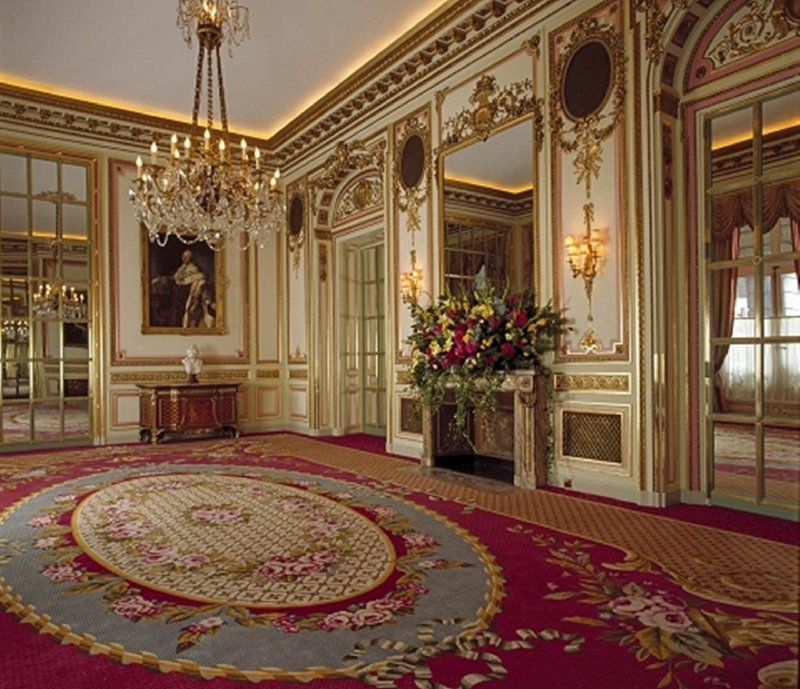 Bedroom Design Private Palace: Inside Buckingham Palace Queens Room