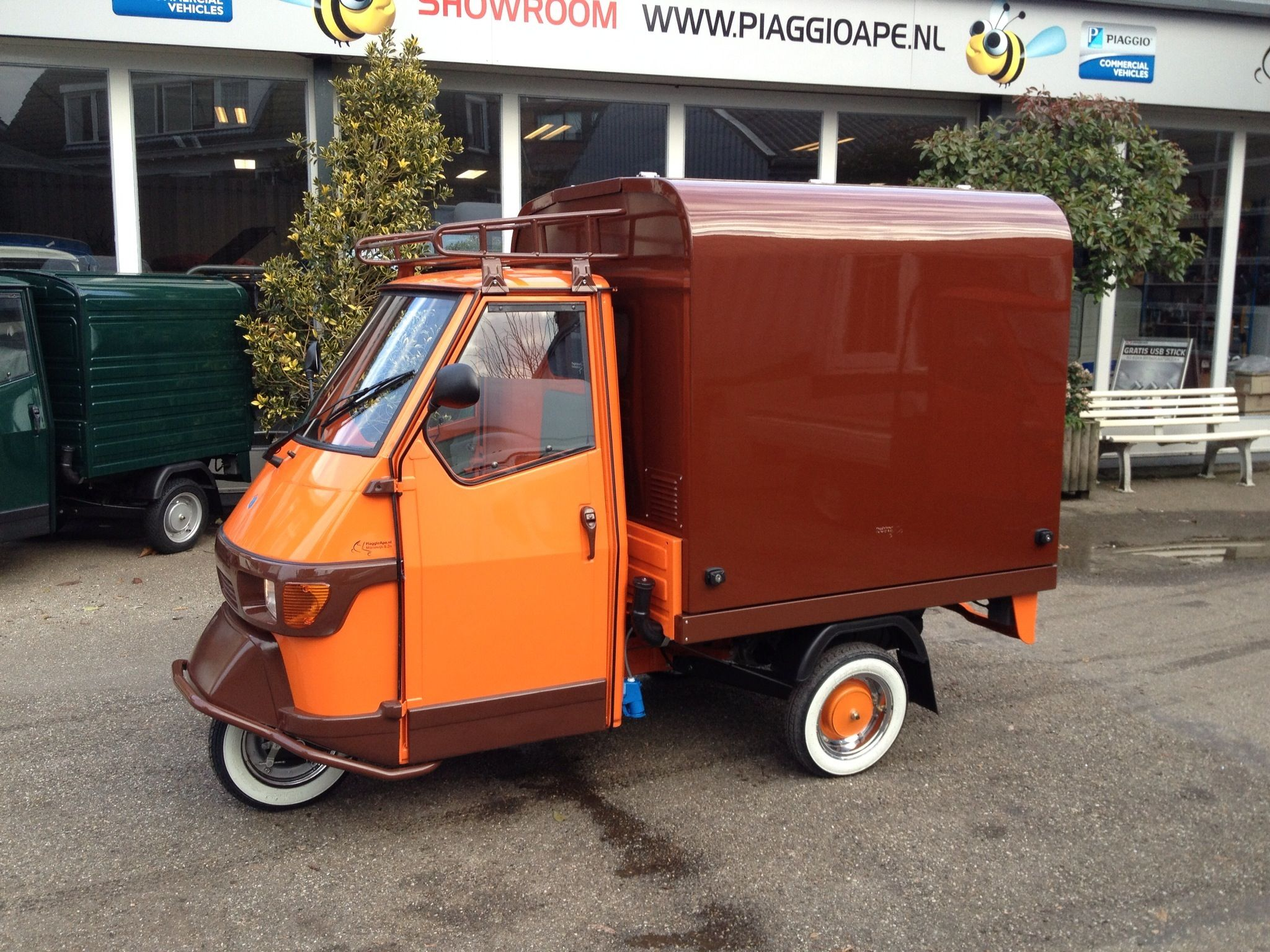 piaggio ape made in holland piaggio ape with salesunit. Black Bedroom Furniture Sets. Home Design Ideas