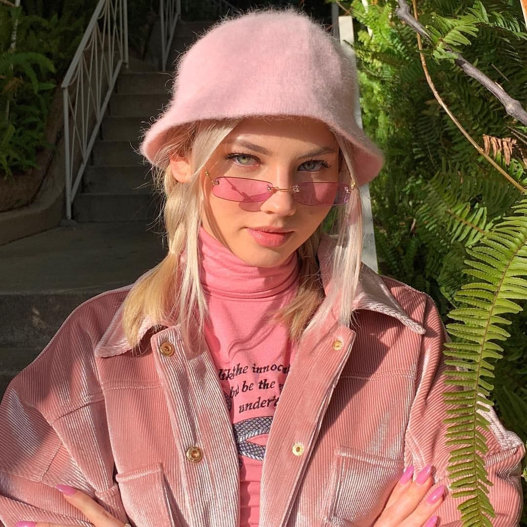 17 3k Likes 137 Kommentare Summy X1f984 Summer Robinson Auf Instagram Schoolb In 2020 Aesthetic Fashion Aesthetic Girl Aesthetic Clothes