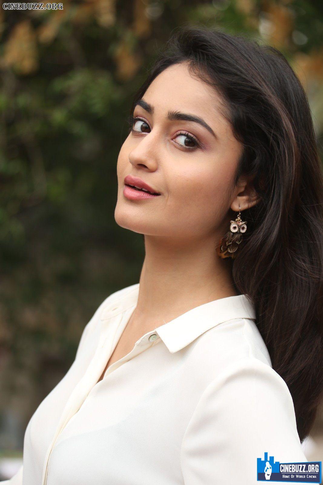 photo Tridha Choudhury 2011