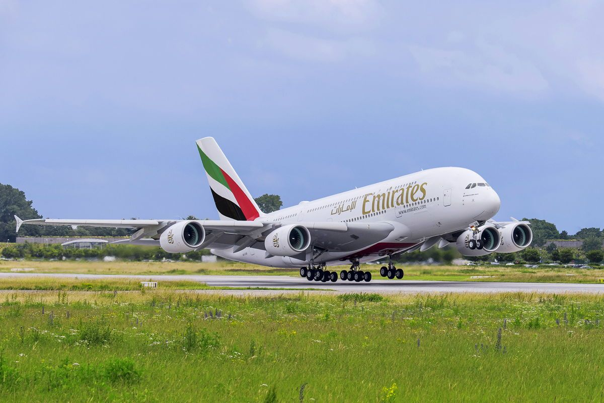 Emirates To Operate The Popular Double Decker A380 Aircraft Between Glasgow And Dubai From 16 April 2019 Emirates Airline Emirates Airbus Airbus A380