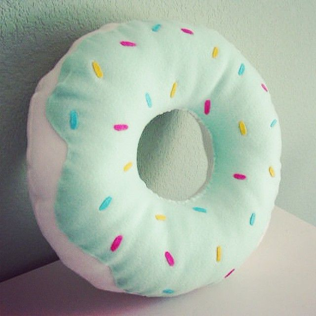The Color Mint Green On Instagram Pillow Comfy Bed Bedtime Donut Mintgreen Green Mint Color Colors Kawaii Minty Diy Pillows Kawaii Room Pillows