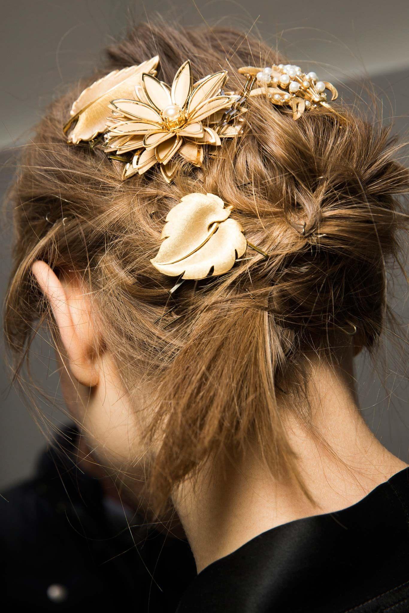 Dolce & Gabbana Fall 2015 Ready-to-Wear Fashion Show Beauty