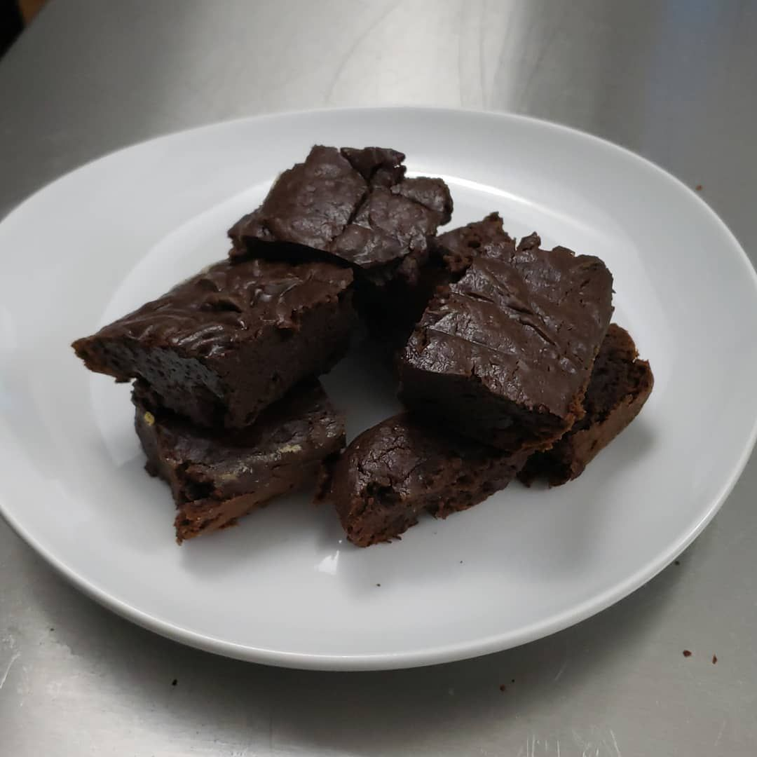 Been a while since I've posted here. I made some rich vegan brownies on stream today! I also made some from a box but they came out pretty bad without eggs. I substituted pureed avocados for the butter and a mix of  arrowroot powder, water and oil for one egg. The stability came mostly from the avocado. Overall it was a fun experiment.