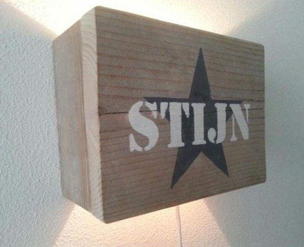 Wandlamp Steigerhout Slaapkamer : Stoere lamp van steigerhout erg mooi op de babykamer of