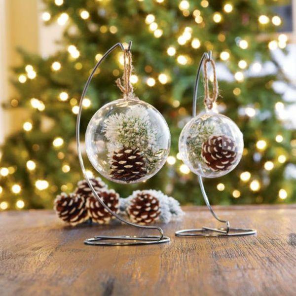 weihnachtsdekoration basteln tannenzapfen metallständer ...