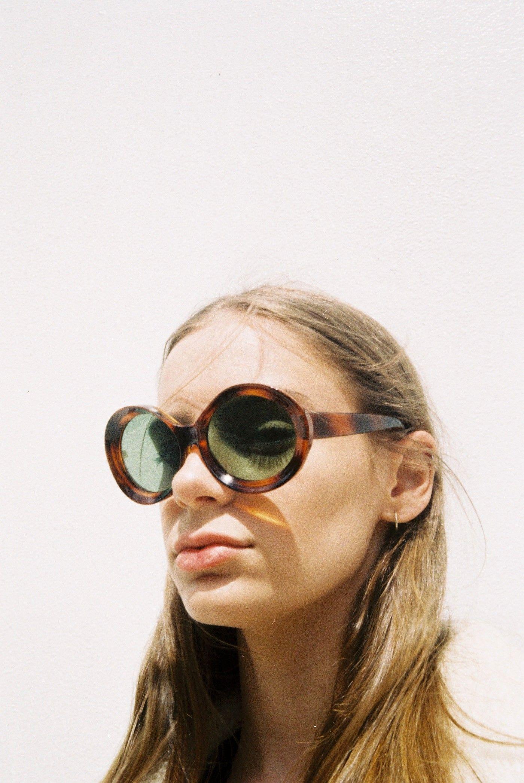 Rayban Sunglasses on   THE LOOK   Pinterest   Sunglasses, Ray ban ... cc35d77892