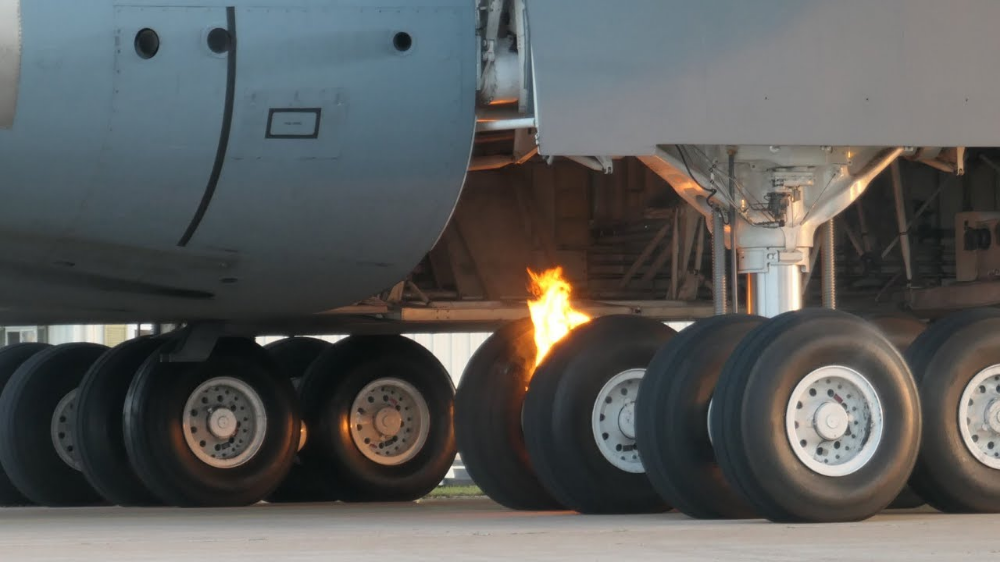 Videos of C5M Super Galaxy Experiencing Brake Fire At