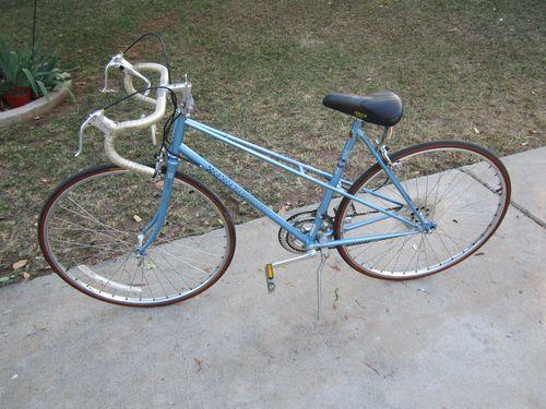 Vintage Peugeot Womens Ladies 12 Speed Bike Bicycle From The 80 S Made In France Bicycle Bike Bicycle Road Bike Vintage