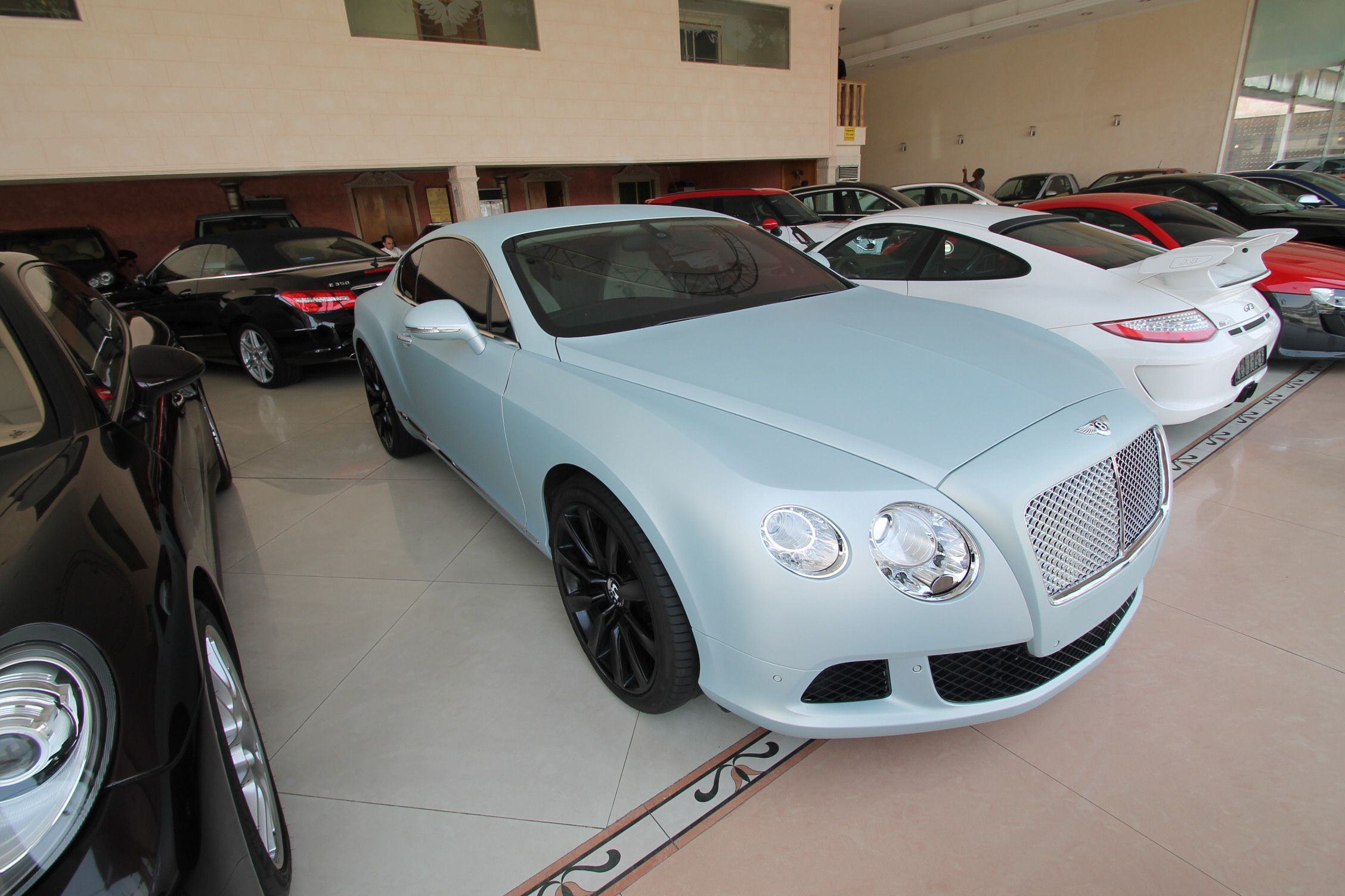 Bently flying spur for sale in jeddah bently pinterest flying bently flying spur for sale voltagebd Image collections