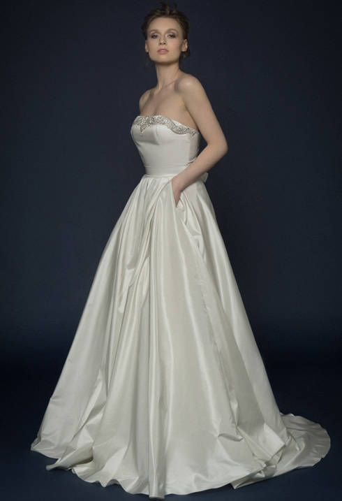 FILUSA / Pearl silk corset wedding dress with off shoulder ...
