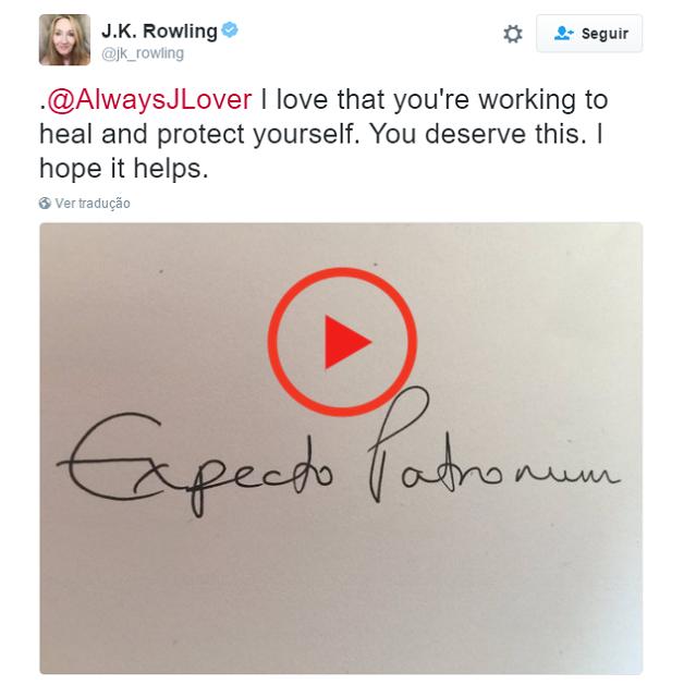 Der Autor Von Harry Potter Sendet Einen Handgeschriebenen Zauber An Den Fan Um Zu Tatowieren Und Harry Potter Autores Saga Harry Potter