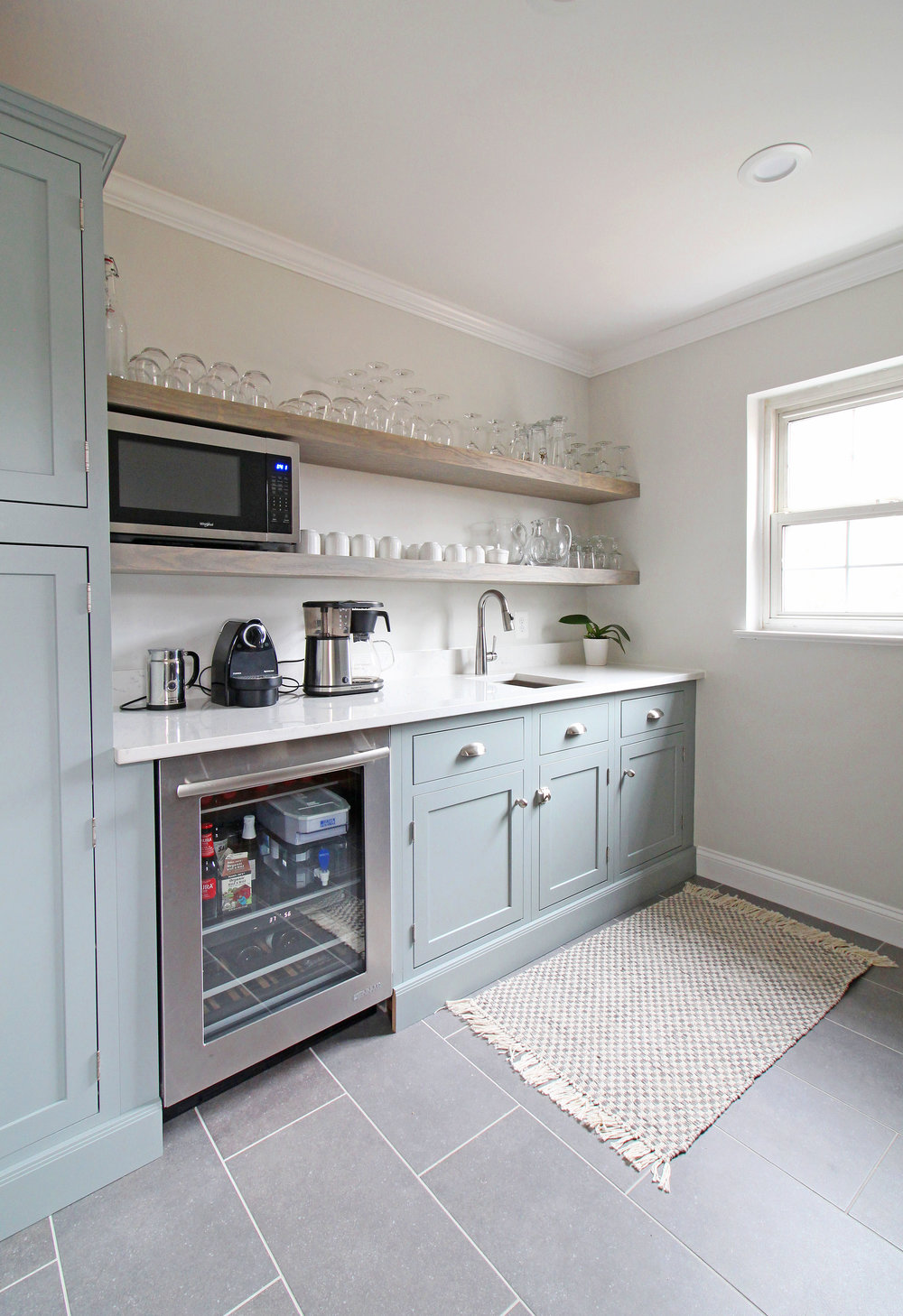 Pros and Cons of Open Shelving in the Kitchen in 2020