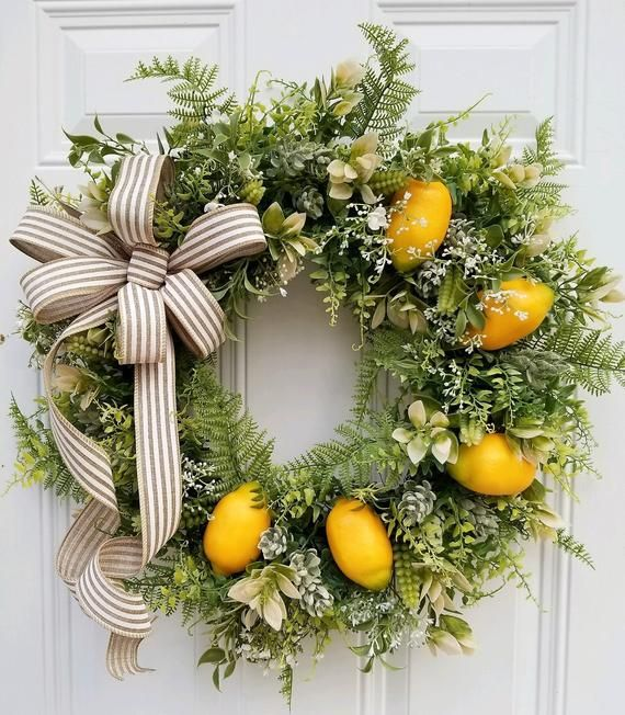 A Kitchen Wreath is just the thing to brighten up your ...