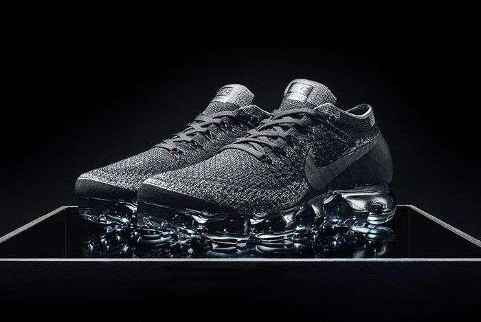 the best attitude 50a44 c3c2a Nike Air VaporMax Flyknit (Triple Black) | Sneakers in 2019 ...