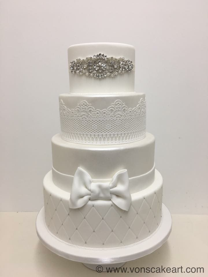 Pin By Siobhan Mitchell On Vons Cake Art Wedding Cakes Pinterest And Weddings