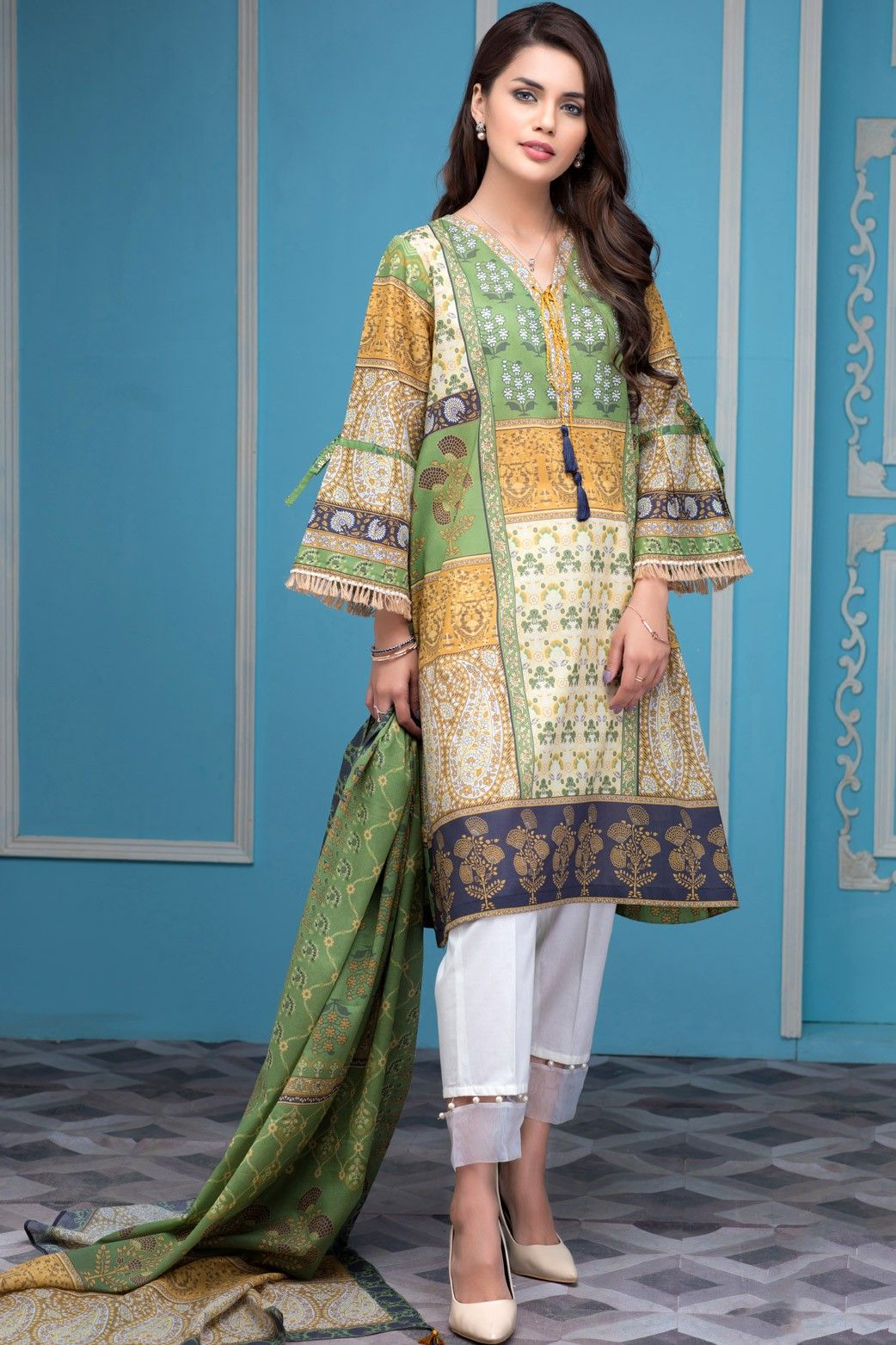 Zeen Spring Lawn Collection 2018 | Lawn, Spring and Pakistani