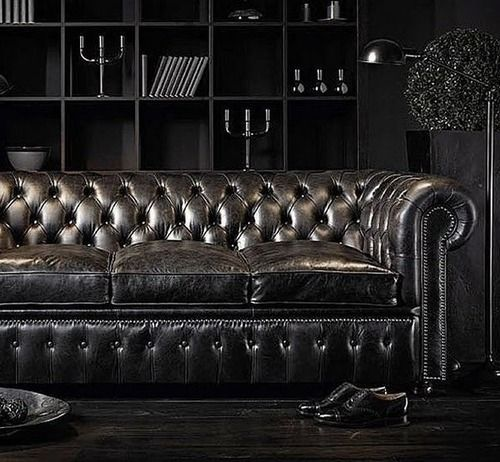 Delicieux The Classic Chesterfield Takes A Dark Turn. Even Paired With All Black  Decor It Still Stands Out On Its Own.
