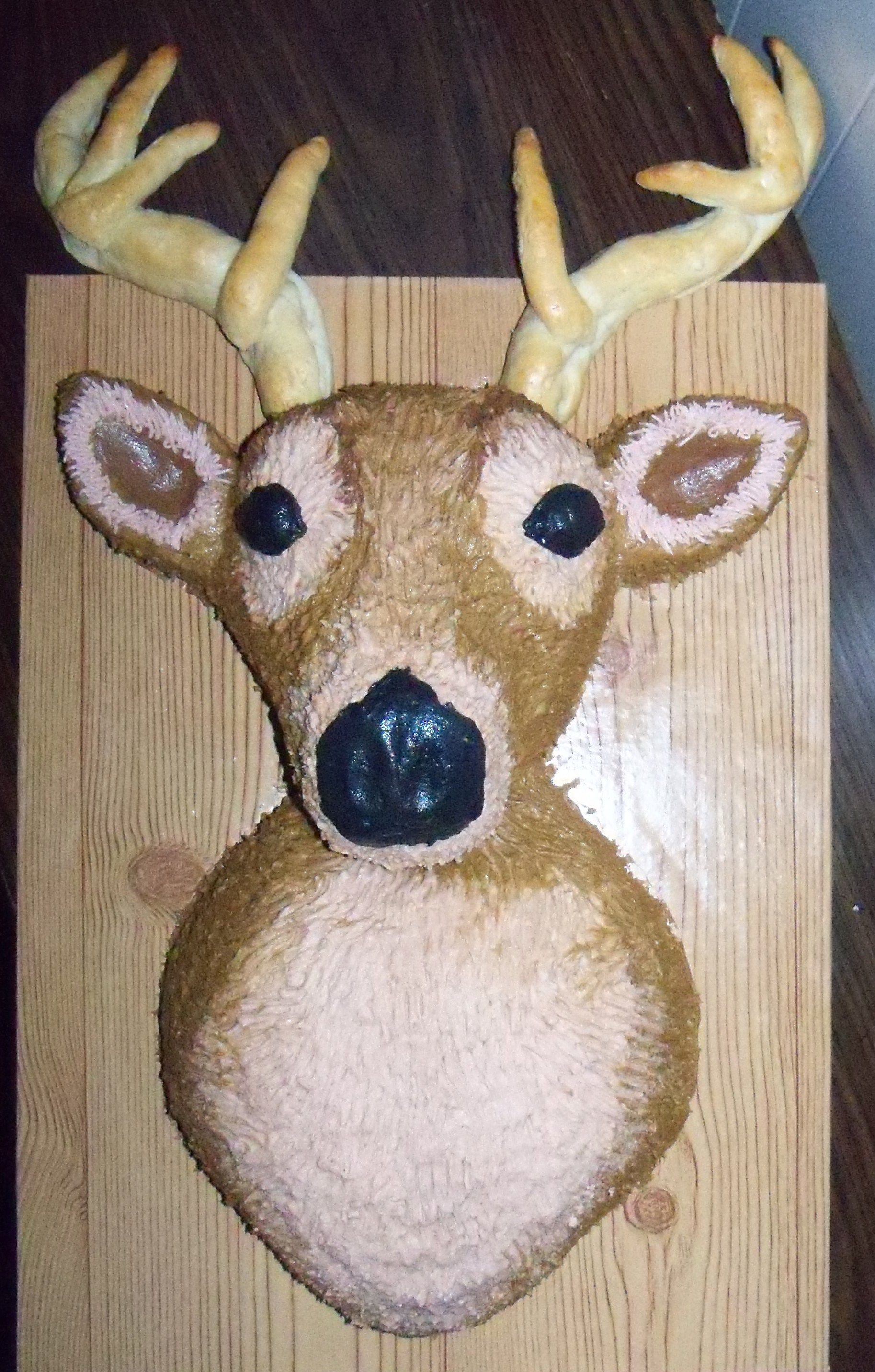 3d Mounted Deer Head Cake Buttercream Icing With Soft