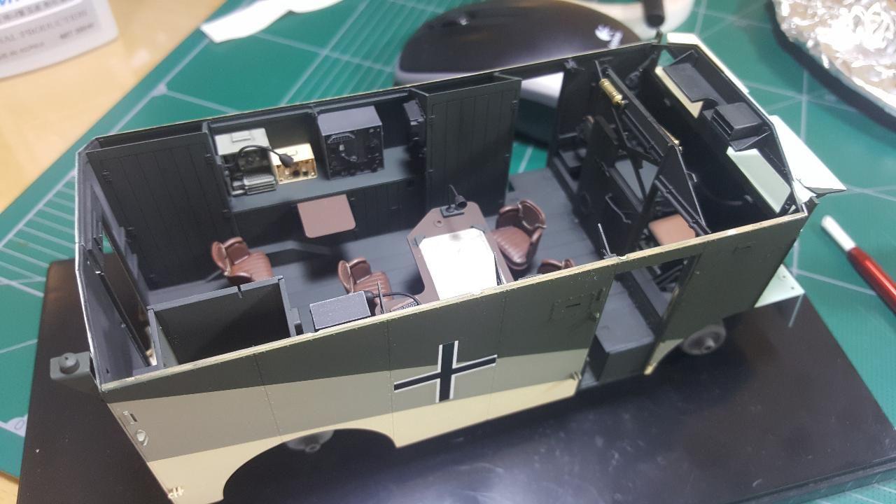 1 35 Afv Club Rommel S Mammoth Dak Aec Armored Command Car