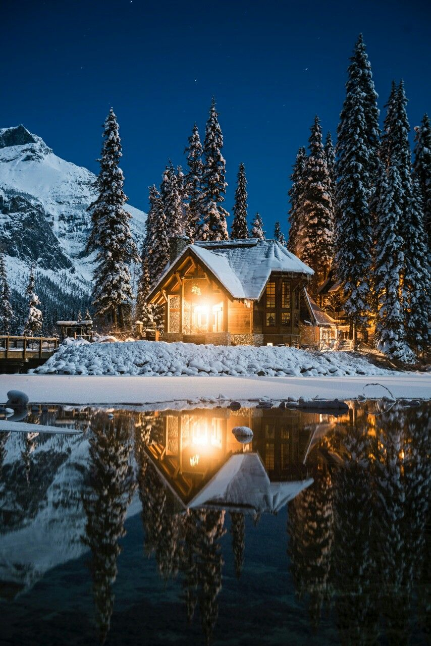 Pin By Rosa Gomez Lopez On Good Evening Winter Scenery Winter Cabin Beautiful Places