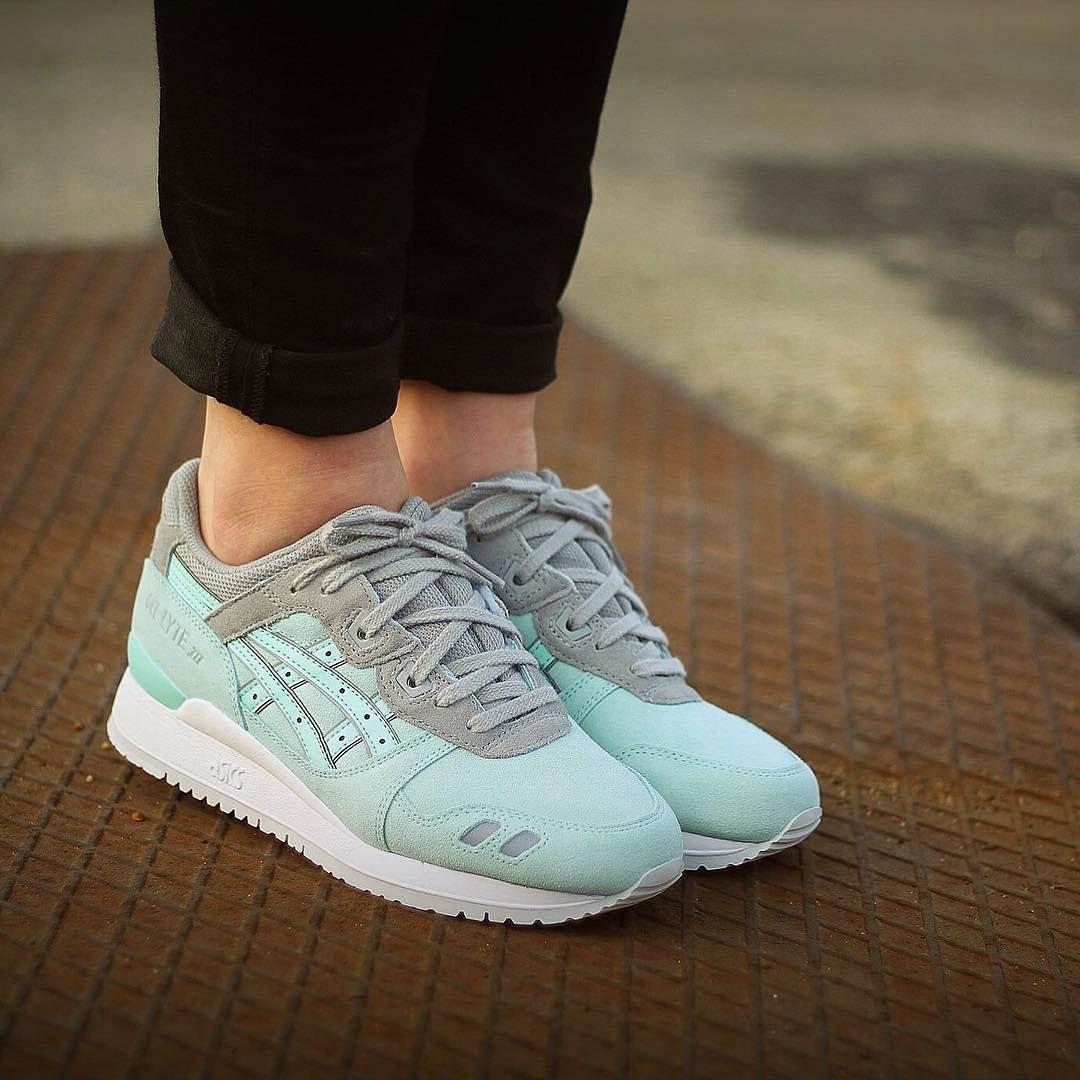 photos officielles 98bcc 9d6f2 Sneakers femme - Asics Gel Lyte III (©onehillstore ...