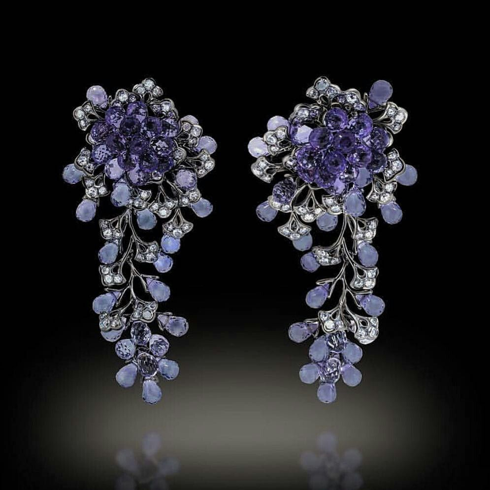 By @mthouvenot #amethist #diamonds #earrings #beauty #beautifuldesign #highjewellery #jewellery #jewelry #jewelrylovers #gemstones #diamondsareforever #beautifulpieces #mm_mucevhermagazin
