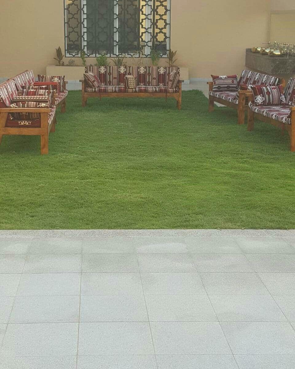 استراحة العاذرية للإيجار 0501244463 في المونسية ايجار يومي Table Decorations Decor Home Decor