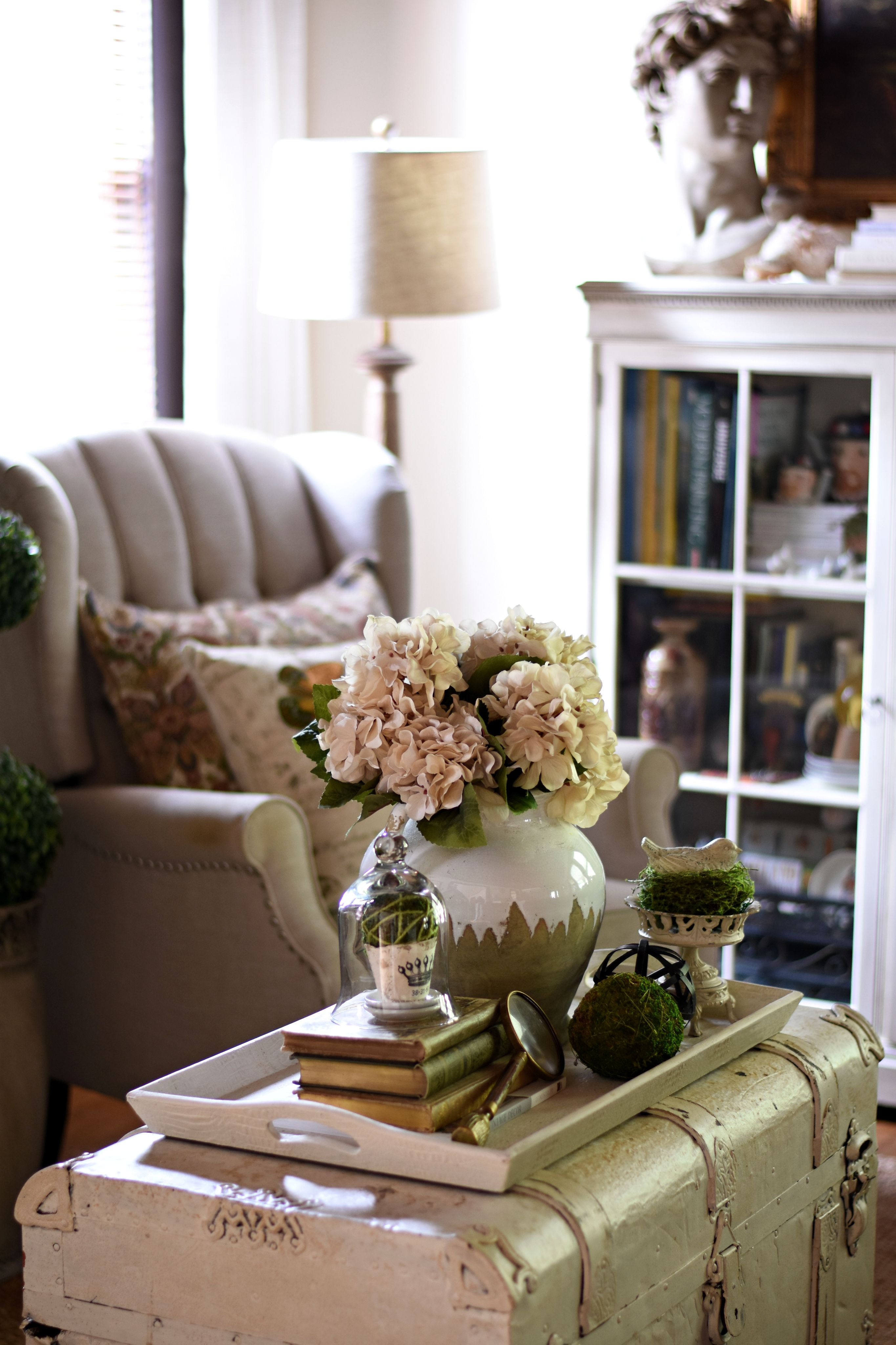How To Style A Simple Coffee Table Vignette Styled Tray Ideas In 2020 Coffee Table Vignettes Simple Coffee Table Coffee Table
