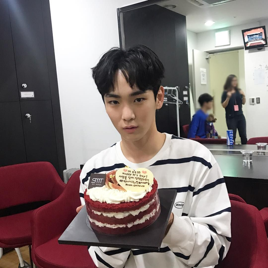 Shinee, Kim Kibum, Birthday Photos