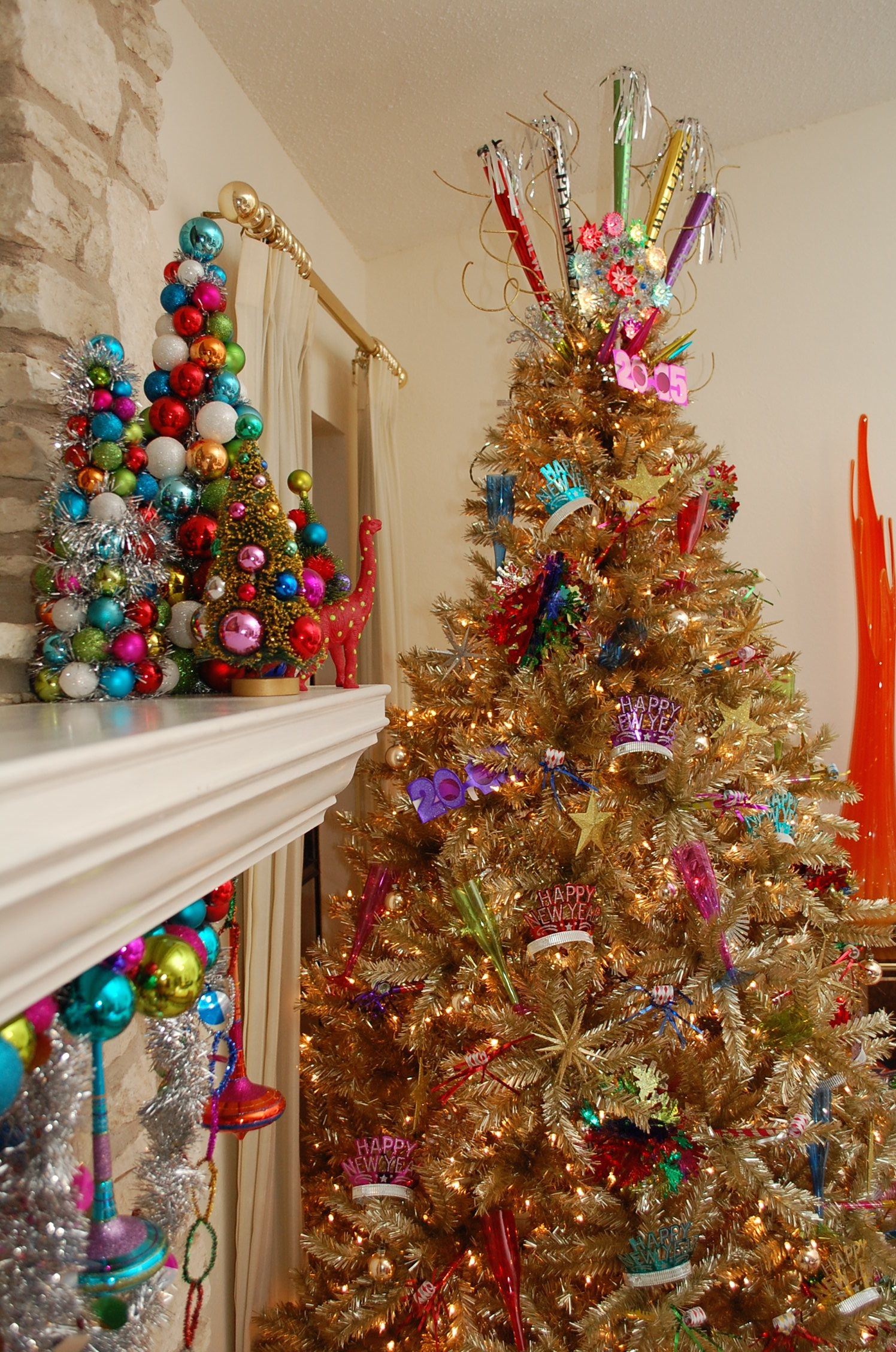 Easily Switch Your Christmas Tree Into A New Years Tree With Images New Years Tree