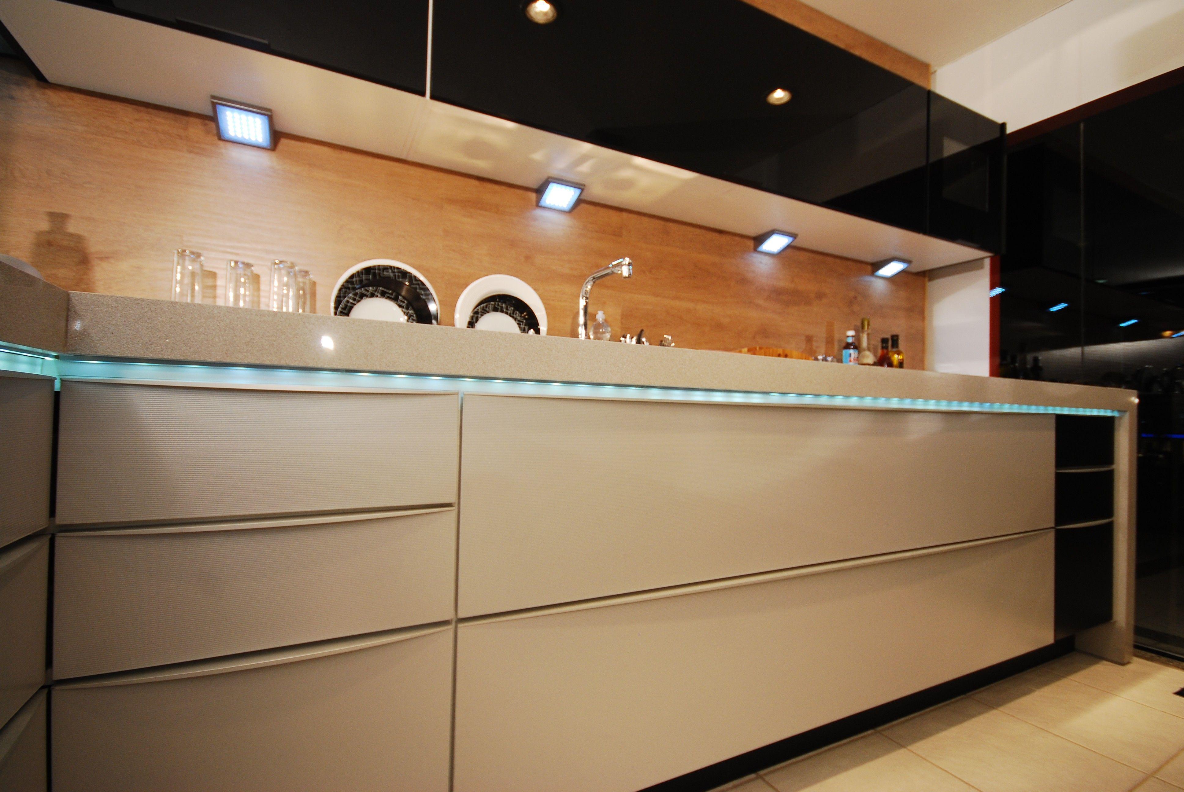 Lumin rias de led para arm rios de cozinha pesquisa google cozinhas pinterest lumin ria - Luces led a pilas para armarios ...
