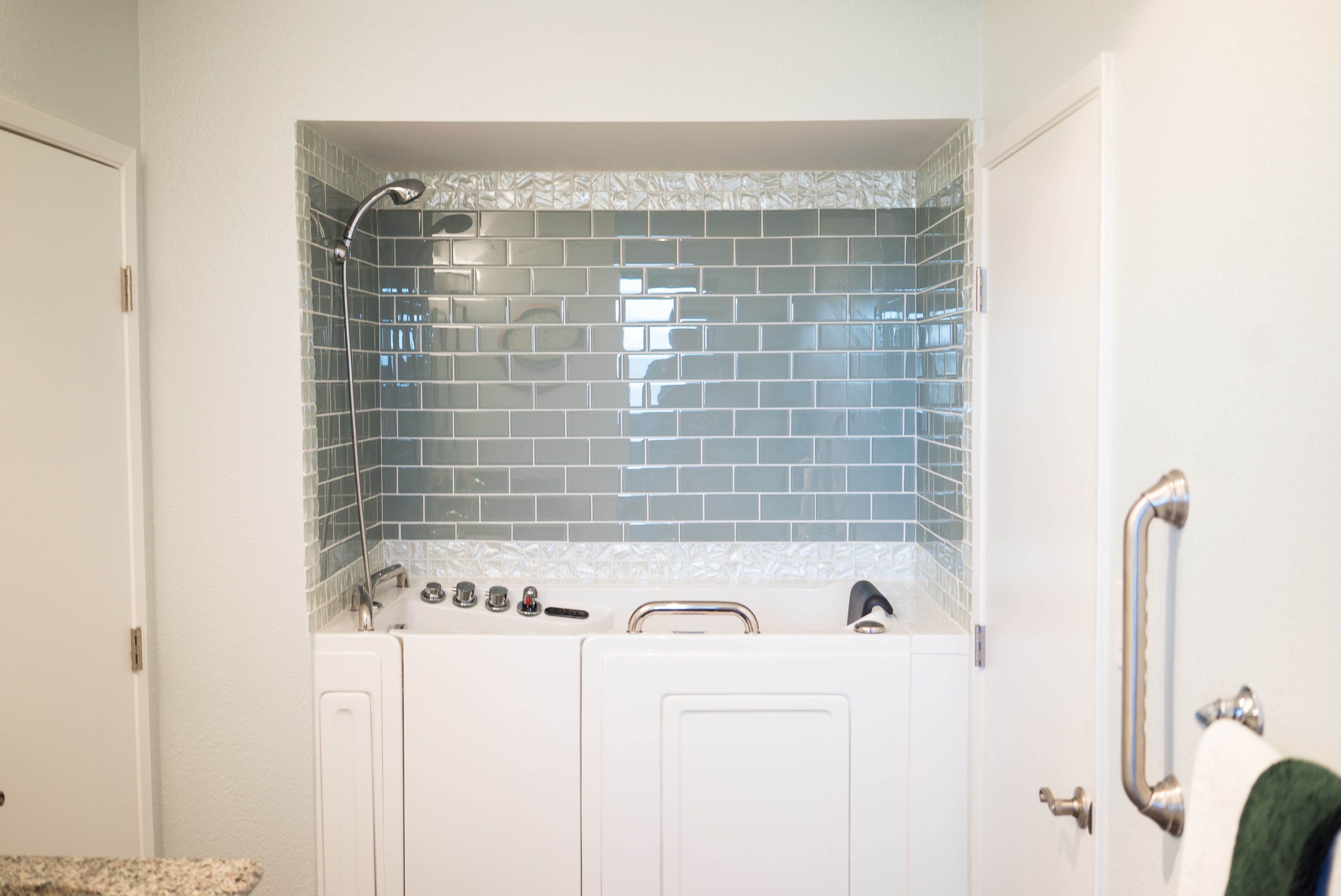 Outward swing soaking walk in tub for your ease and comfort ...