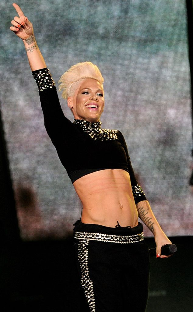 Stage Style: Pink Shows Off Killer Abs (And Snarl) In New