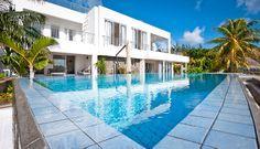 Dieses 4 Zimmer Duplex kann bis zu 8 Personen beherbergen und befindet sich im wunderschönen Ort Pereybere. Pereybere ist beliebt bei jedem. Wassersportler, Taucher, Sandbegeisterte, Schwimmer und viele mehr.. ein Ort für Genießer! Mauritius #Villas #Beach #Pool I ❤ MAURITIUS! ツ  http://www.isla-mauricia.de/objekte-mauritius/villa-direkt-vor-der-pereybere-lagune-mit-4-schlafzimmer-garten-pool-und-koch-de/