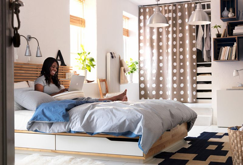 Tips To Make Your Small Bedroom Look Ger