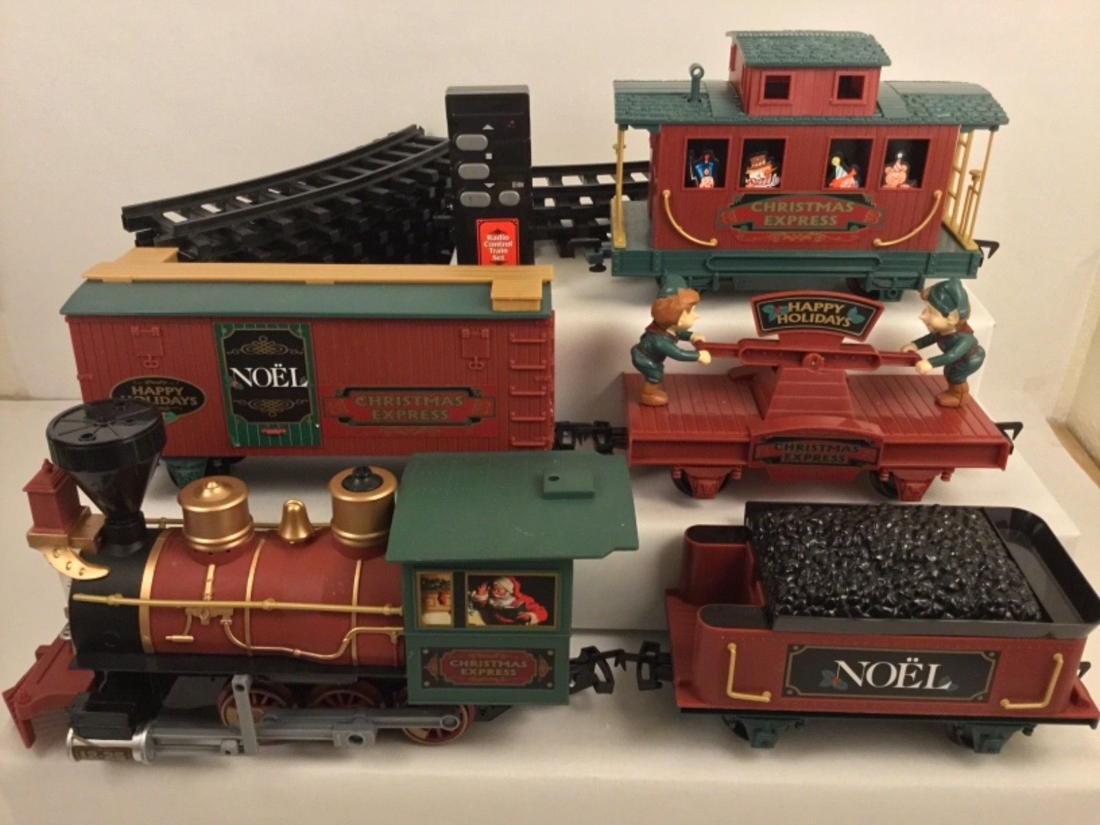Details about CHRISTMAS NORTH POLE EXPRESS MUSICAL TRAIN SET ...