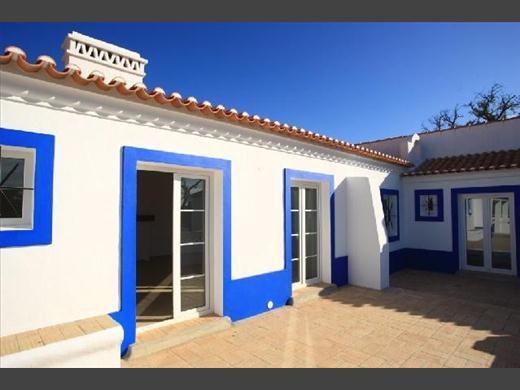Casa à Venda em Angra dos Reis no Porto Bracuhy com deck