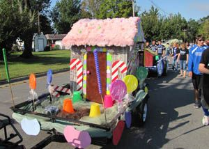 Candy that floats homecoming parade float ideas also best images on pinterest land theme rh
