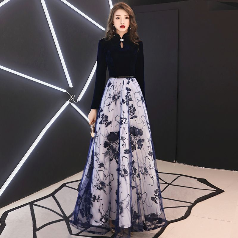 Affordable Chinese style Navy Blue Suede Evening Dresses 2019 A-Line / Princess High Neck Long Sleeve Sash Appliques Lace Floor-Length / Long Ruffle Formal Dresses