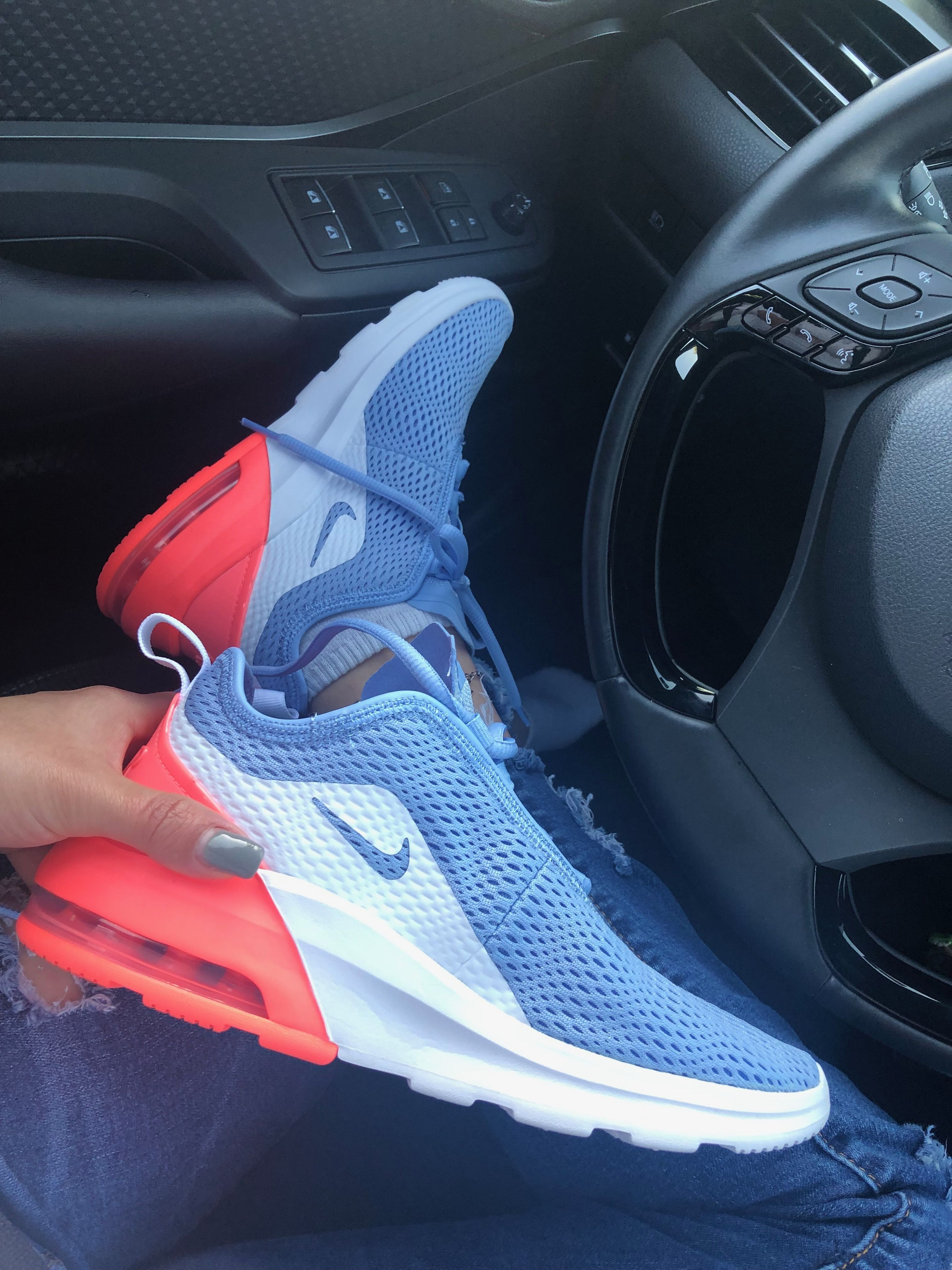 promedio cama tsunami  Nike air max motion 2 | Nike, Sport shoes, Nike air max