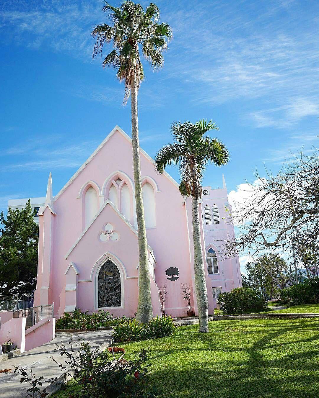 Who can name this church?  - #pink #church in #hamilton #bermuda :@abubsaleh #gotobermuda #destinationbermuda #wearebermuda