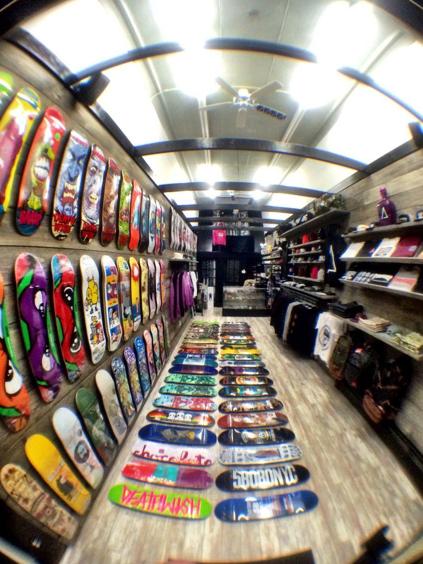 ALUMNI BRAND SHOWROOM & FULL SERVICE CORE SKATEBOARD SHOP